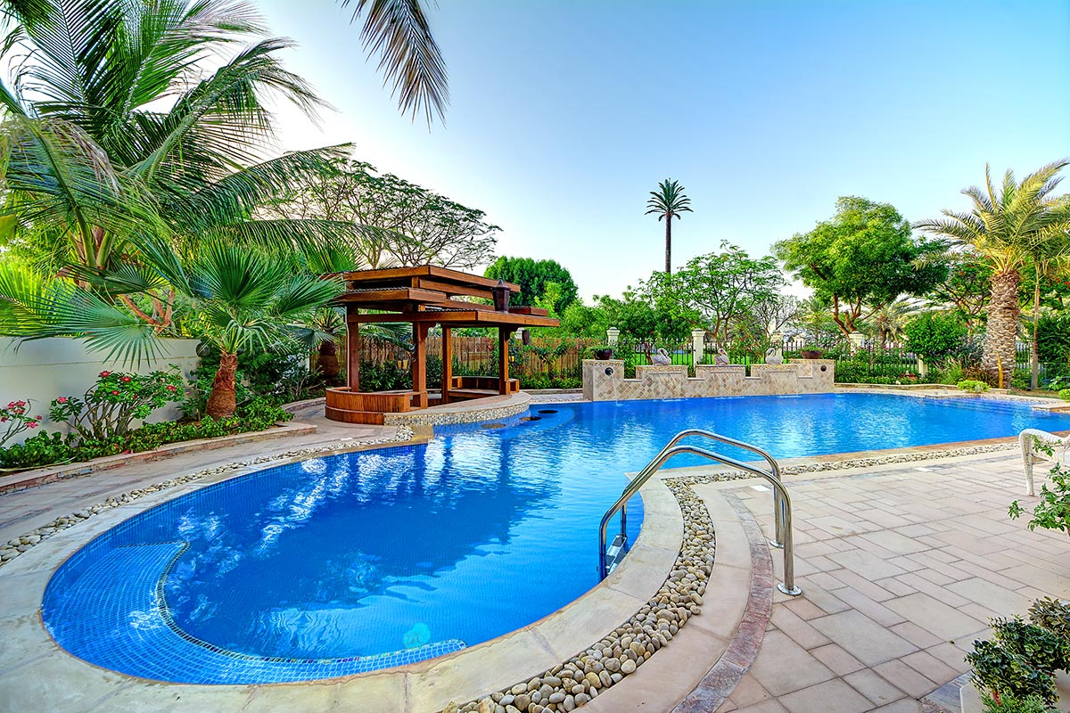 Pool construction dubai pool cleaning dubai swimming for Pools by design